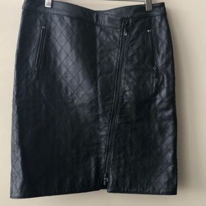 Genuine Leather Quilted Skirt by Worth NY Sz 4